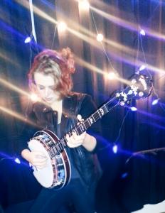 Annika von Grey with her Deering Eagle II Acoustic/Electric banjo